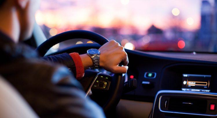 luxury-car-rental-in-karachi